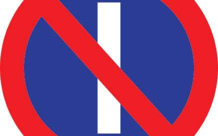 Señal vertical reglamentaria de estacionamiento prohibido los días impares