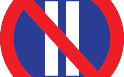 Señal vertical reglamentaria de estacionamiento prohibido los días pares